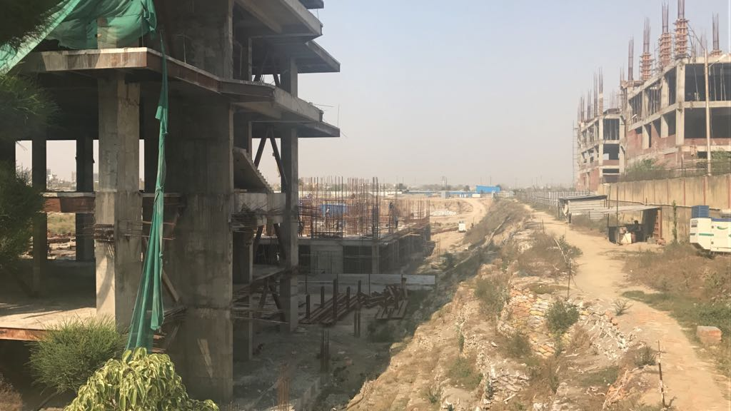 alphathumbhutanigroupsector90noida construction update