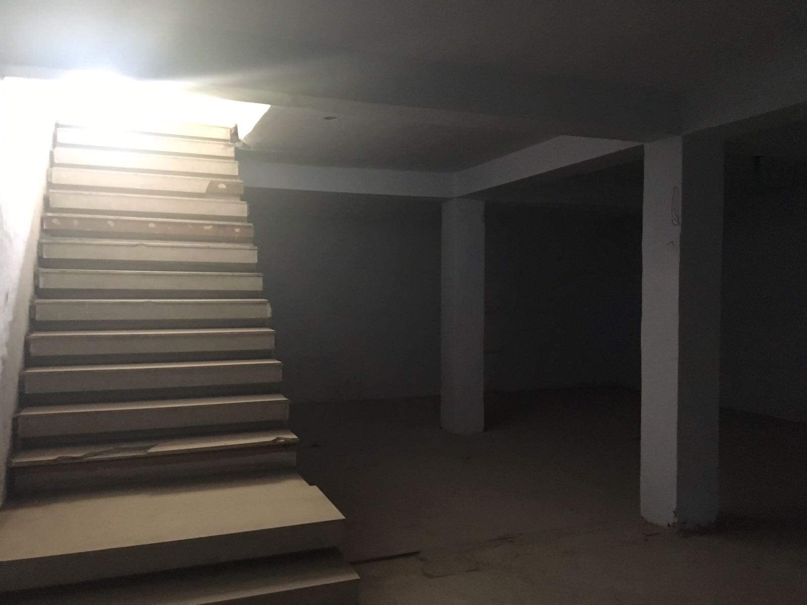 basement for Showroom for rent @ BASANT LOK COMMUNITY CENTRE, VASANT VIHAR, NEW DELHI CALL+919958959555