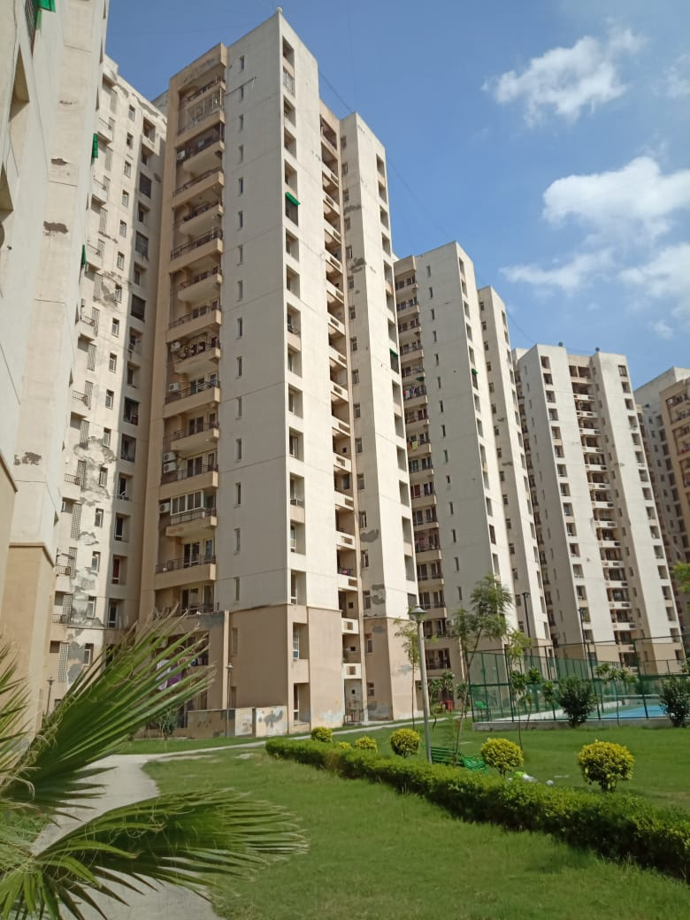 #jaypee Greens #Kosmos #Sector134 #Noida | Price List & Brochure, Floor Plan . #jaypeekosmos #Jaypee Greens #Kosmos Sector-134 #Noida is #Ready To Move #project. #JaypeeGreens Total Project Area: 45.08 acres(182.43K sq.m.) Project Details: 79 Towers 8000 Units 18 Floors Price ₹33,15,000.00 to ₹96,00,000.00 #asontoday #ReadyToMove #property